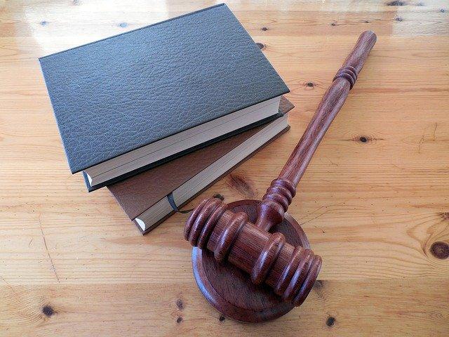 法院裁判‖依照《土地管理法》第八十三条作出的拆除决定不得在复议期届满前申请执行――梓潼县国土局申请执行土地行政处罚决定案